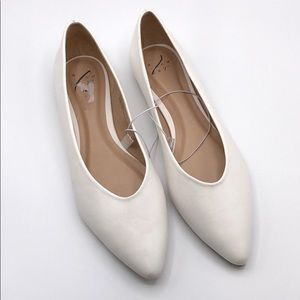 9.5 Women's A New Day White Pointed Flats